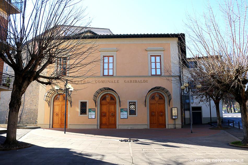 Vista frontale del Teatro Comunale di Figline Valdarno, Teatro Garibaldi